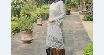 Model Dress Kebaya Muslim Peplum Warna Peach Anggun
