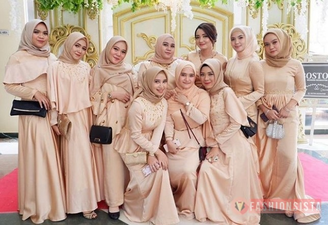 30 Model Dress Pesta Atau Gaun Kebaya Terbaru Modern Fashionsista
