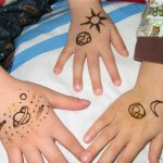 Lovely Kids Mehndi Henna tattoos Hand and feet Designs Collection (4)