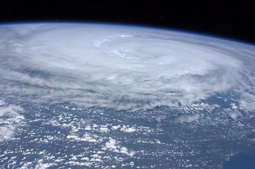 台風の強さ表現の基準とヘクトパスカル・予想される被害や影響は?