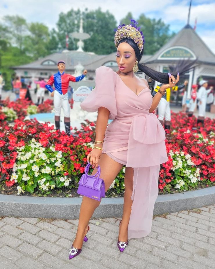 Chic Ama- Rocking An Exotic And Fun Style