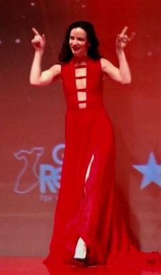 Juliette Lewis Red Dress Show