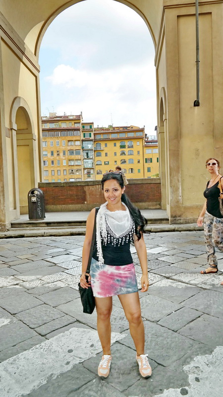 Fashion_Travel_Accessories_Florence_Travel_Blog_What-To_See_In_Florence_Italy_Follow_Me_Around_Travel_Vlog_Walking_Tour_22_resize