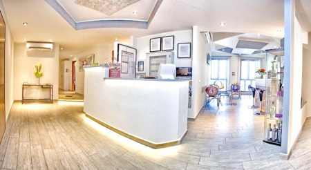Esco Hotel Milano Fashion Travel Accessories 1