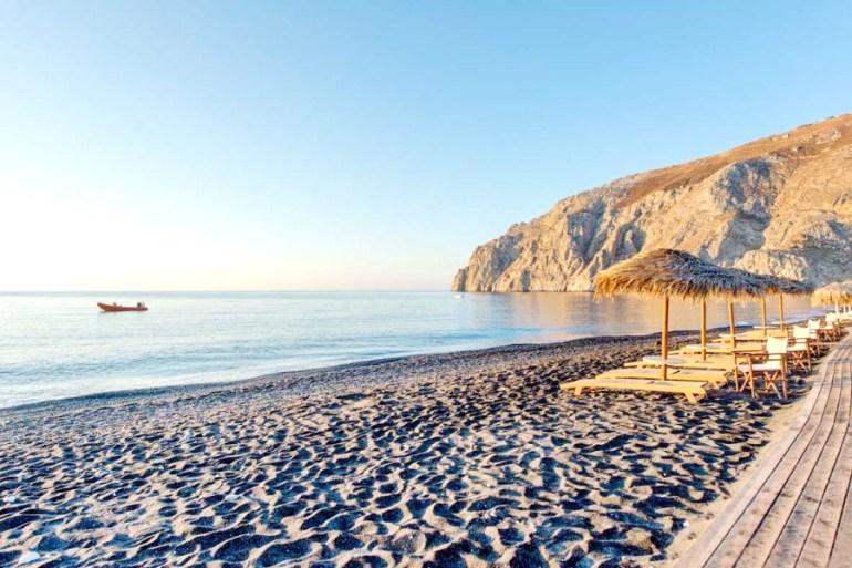 3_Things_to_do_in_Santorini_Greece_Kamari_Beach
