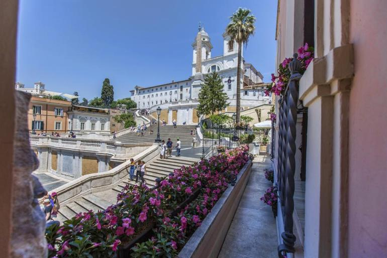 Best Hotels In Rome Italy Where To Stay In Rome Fashion Travel Accessories Royal Suite Trinità Dei Monti 9.2
