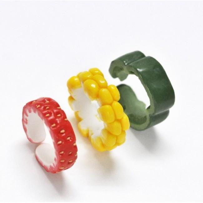 リアルな野菜モチーフの指輪「ベジーリング」がヴィレヴァンオンラインにて再販開始!