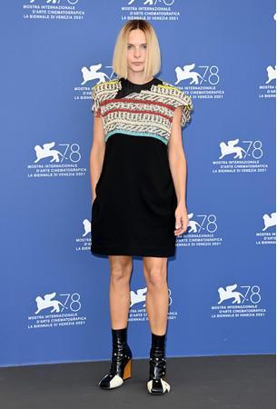 【ルイ·ヴィトン】ベネチア国際映画祭でレベッカ·ファーガソンらが、ドーヴィル·アメリカ映画祭にてアガット·ルッセルがルイ·ヴィトンを着用