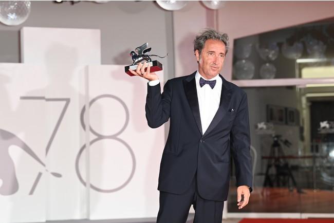 第78回ヴェネツィア国際映画祭:クロージングセレモニーでアルマーニを着用したセレブリティをご紹介します(後半戦)