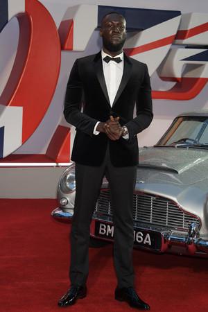 【DIOR】映画「007/ノー・タイム・トゥ・ダイ」のワールドプレミアにディオールを纏ったセレブリティが登場