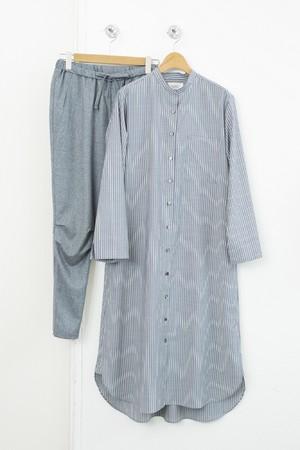 シャツワンピース 税込¥49,500(38、40サイズ) パンツ 税込¥35,200(36、38、40サイズ)