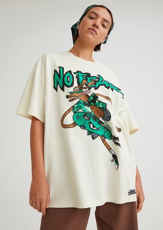 オーバーサイズTシャツ¥1,499 スカーフ¥999