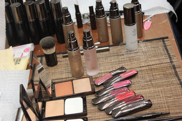 Cosmetics Icons at a Glance 1