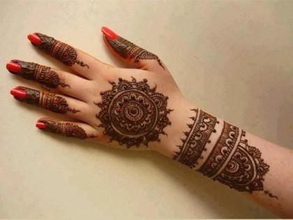 beautiful hand mehndi