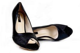 Eid Ul Azha High Heel Footwear By Metro Shoes 2015-16 17