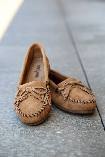 bow design moccasins shoes