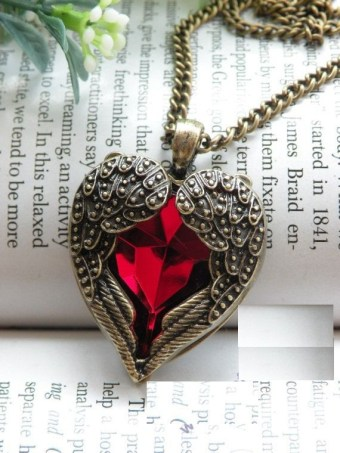Heart Necklace Pendant Designs For Gifting Some One