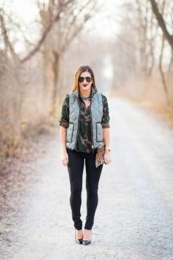 Women Puffer Vest Designs For This Fall Season 14