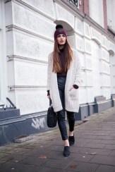 Hair Under Winter Hats Styling Ideas Women Should See 5