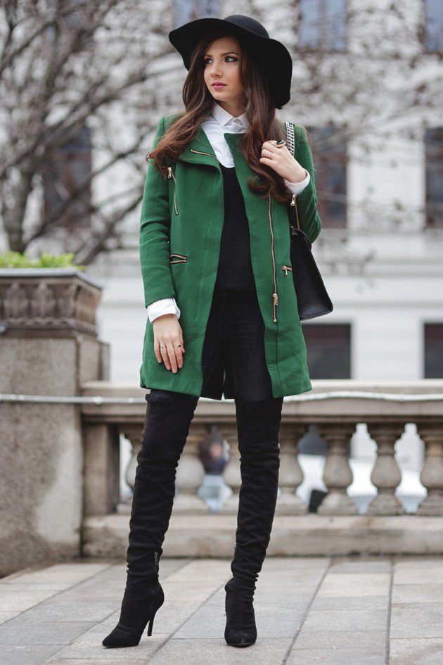 Layered Winter Outfits Women Should Wear 16