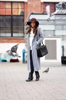 Stylish Winter Long Coats Every Women Should See 6