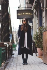 Stylish Winter Long Coats Every Women Should See 7