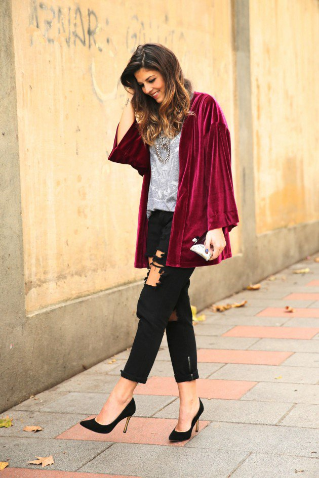 Women Velvet Dresses Winter Casual Street Style Looks 16