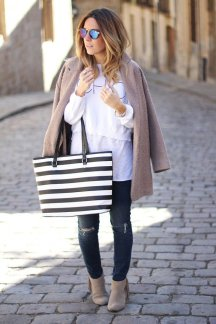 Beige Coat Styles Women Should Try In Cold Days 7