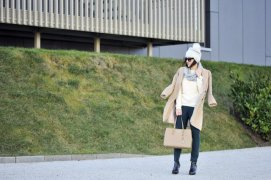 Beige Coat Styles Women Should Try In Cold Days 9