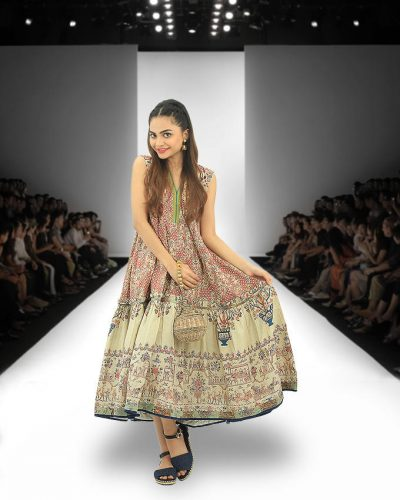 Summer Traditional Outerwear At Daraz Fashion Week 16