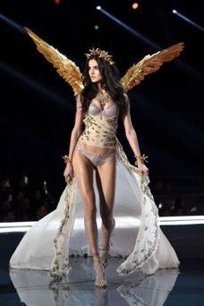 A still from the Heavenly Angels segment of the 2017 Victoria's Secret Fashion Show - Fashion Voyeur Blog