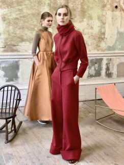 Merchant Archive FW18 presentation at Lancaster gate, a room with 2 models moving between chairs to show of pieces from the collection