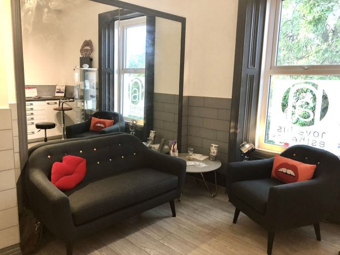 A picture of the consulting area in the brand new clinic room at Novellus Aesthetics Jesmond, Newcastle taken for Fashion Voyeur Blog