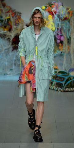 Fyodor Golan SS19 runway show at London Fashion Week shot by Chris Moore for Fashion Voyeur Blog Look 3