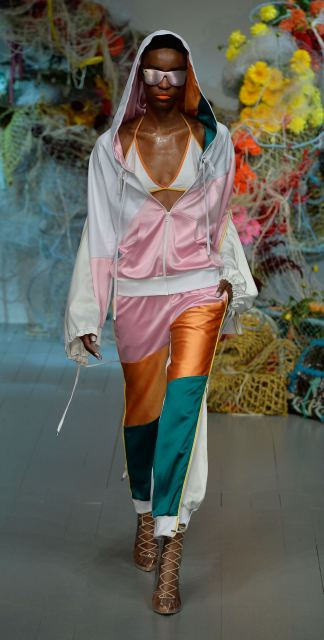 Fyodor Golan SS19 runway show at London Fashion Week shot by Chris Moore for Fashion Voyeur Blog Look 14
