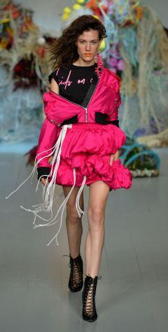 Fyodor Golan SS19 runway show at London Fashion Week shot by Chris Moore for Fashion Voyeur Blog Look 44