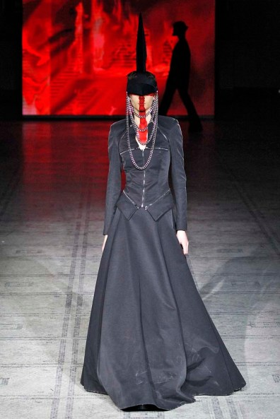 Gareth Pugh London RTW Fall Winter 2015 February 2015