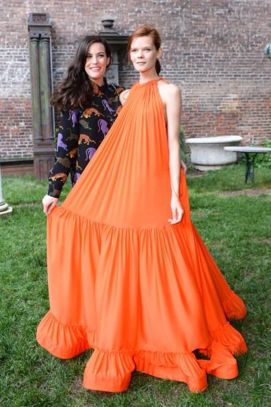 Liv Tyler and model