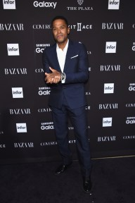 NEW YORK, NY - SEPTEMBER 16: Singer Maxwell attends the 2015 Harper's BAZAAR ICONS Event at The Plaza Hotel on September 16, 2015 in New York City. (Photo by Jamie McCarthy/Getty Images)