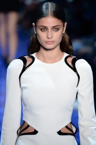 PARIS, FRANCE - OCTOBER 01: Taylor Hill walks the runway during the Mugler show as part of the Paris Fashion Week Womenswear Spring/Summer 2017 on October 1, 2016 in Paris, France. (Photo by Francois Durand/Getty Images)