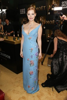 BEVERLY HILLS, CA - JANUARY 08: Actress Jessica Chastain attends the 74th Annual Golden Globe Awards at The Beverly Hilton Hotel on January 8, 2017 in Beverly Hills, California. (Photo by Joe Scarnici/Getty Images for Moet & Chandon )