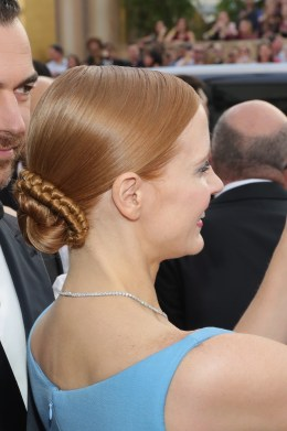 BEVERLY HILLS, CA - JANUARY 08: 74th ANNUAL GOLDEN GLOBE AWARDS -- Pictured: Actress Jessica Chastain poses for a selfie photo as she arrives to the 74th Annual Golden Globe Awards held at the Beverly Hilton Hotel on January 8, 2017. (Photo by Neilson Barnard/NBCUniversal/NBCU Photo Bank via Getty Images)