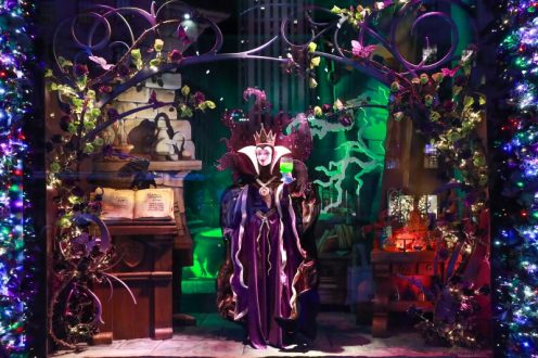 Saks x Disney Holiday Window (19)