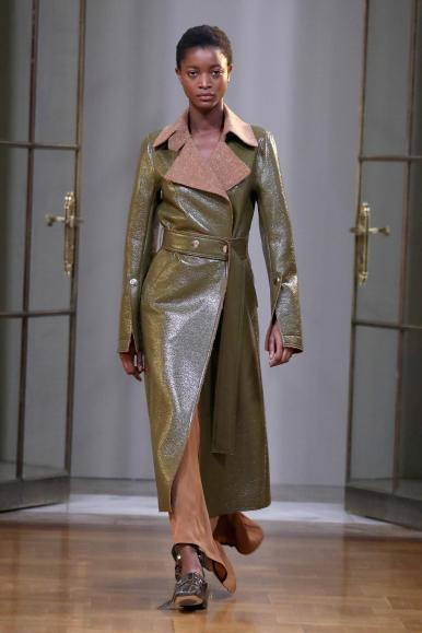 Victoria Beckham fall 2018 runway (Getty Images)