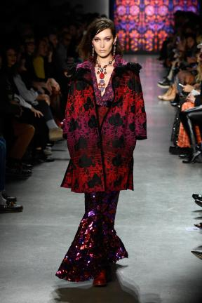 Anna Sui fall 2018 (Getty Images)