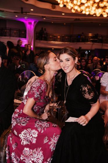 Nicole Richie and Jamie Mizrahi (Hannah Turner-Harts)