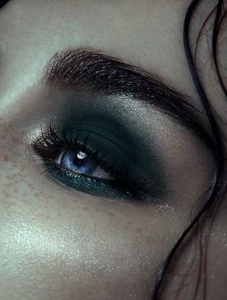eye (57)