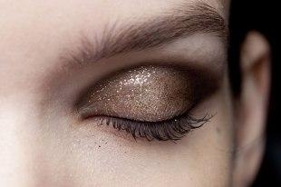 eye (90)