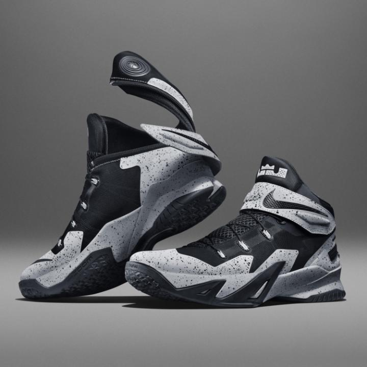 LeBron Zoom Soldier 8 Flyease