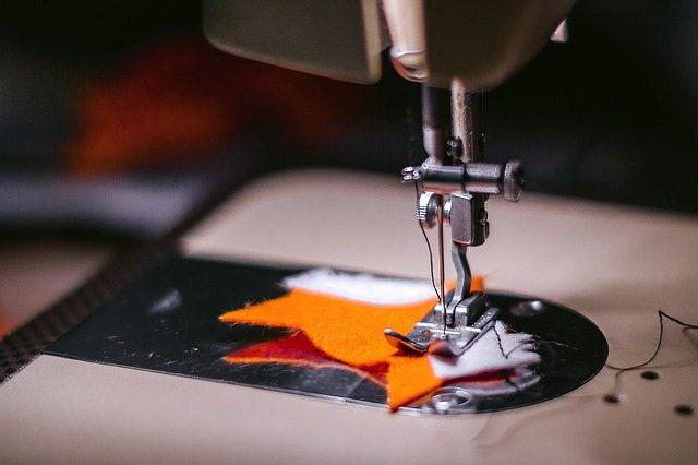 sewing-machine-925458_640